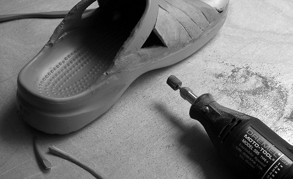grinding-red-aruba-clog