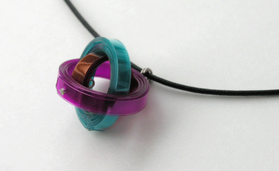 gyroscope-necklace1